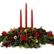 Christmas arrangement with 3 candles