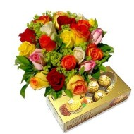 Bouquet of 12 mixed roses. Chocolates included